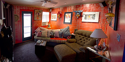 Read, Listen To Music, Watch TV, or Just Relax In The Guest Lounge / Media Room